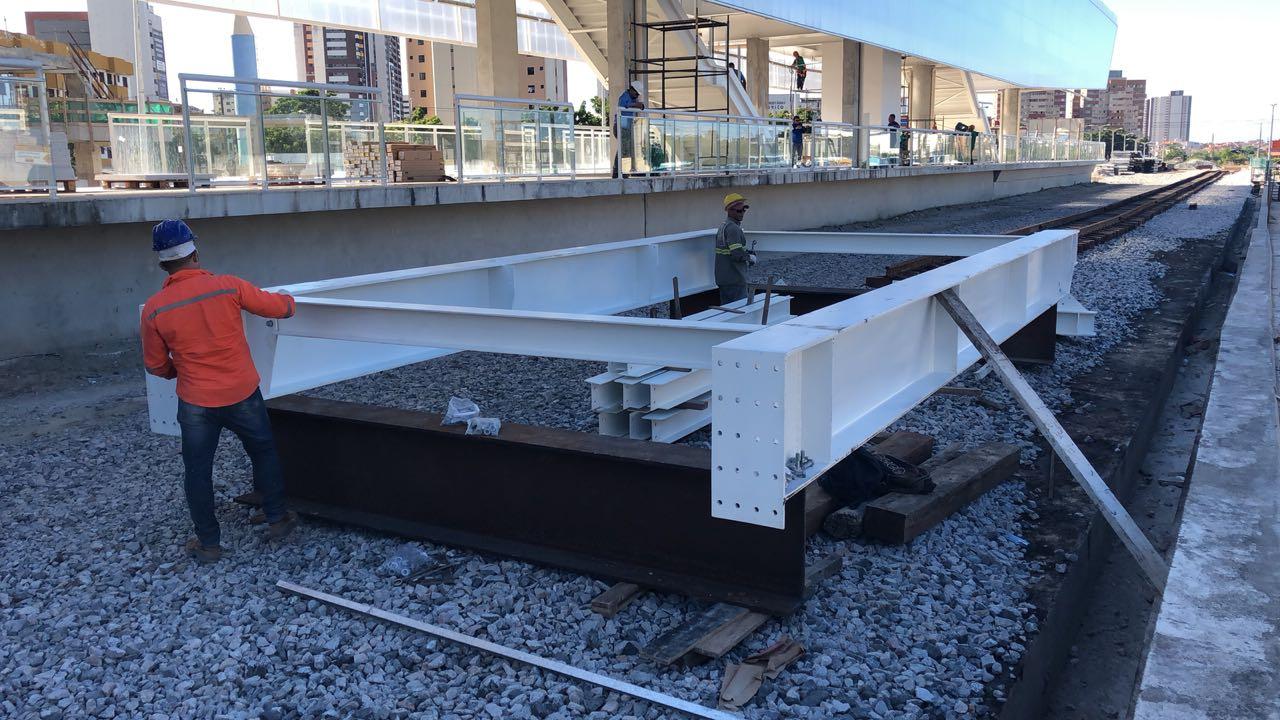Obra do VLT – Içamento de estrutura de passarela no Papicu bloqueia via neste domingo (17)