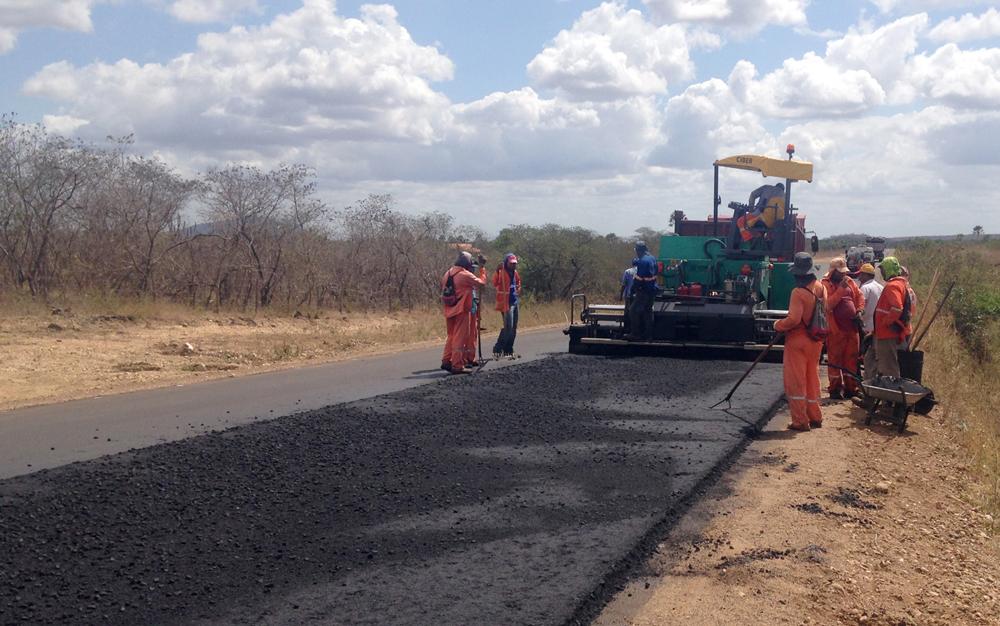 Trecho Morrinhos – Santana do Acaraú recebe obras de restauração
