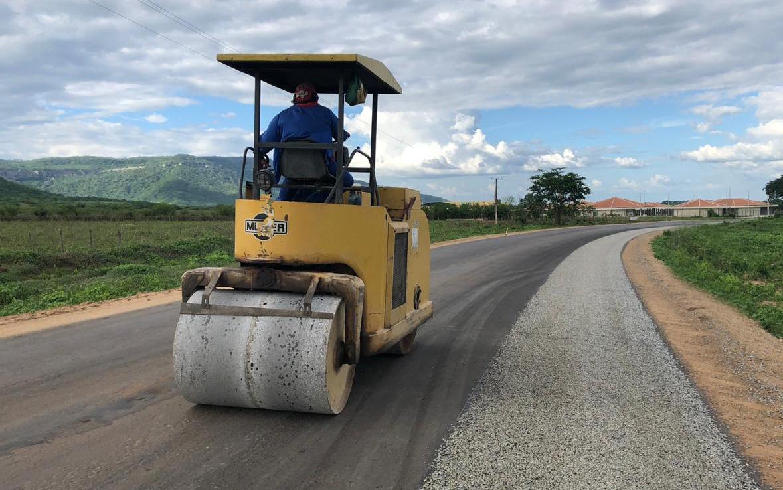 Pavimentação do trecho Ipueiras – Ararendá segue em andamento