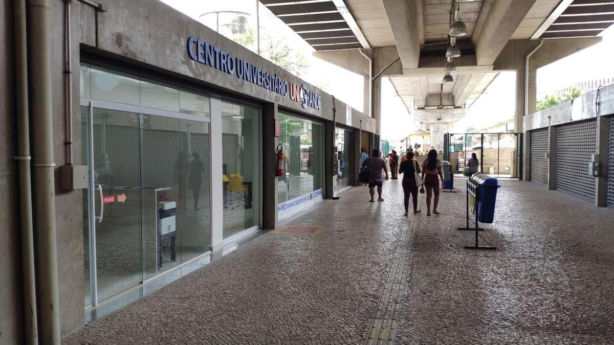 Parangaba ganha centro de compras com 15 lojas, dentro da estação do metrô
