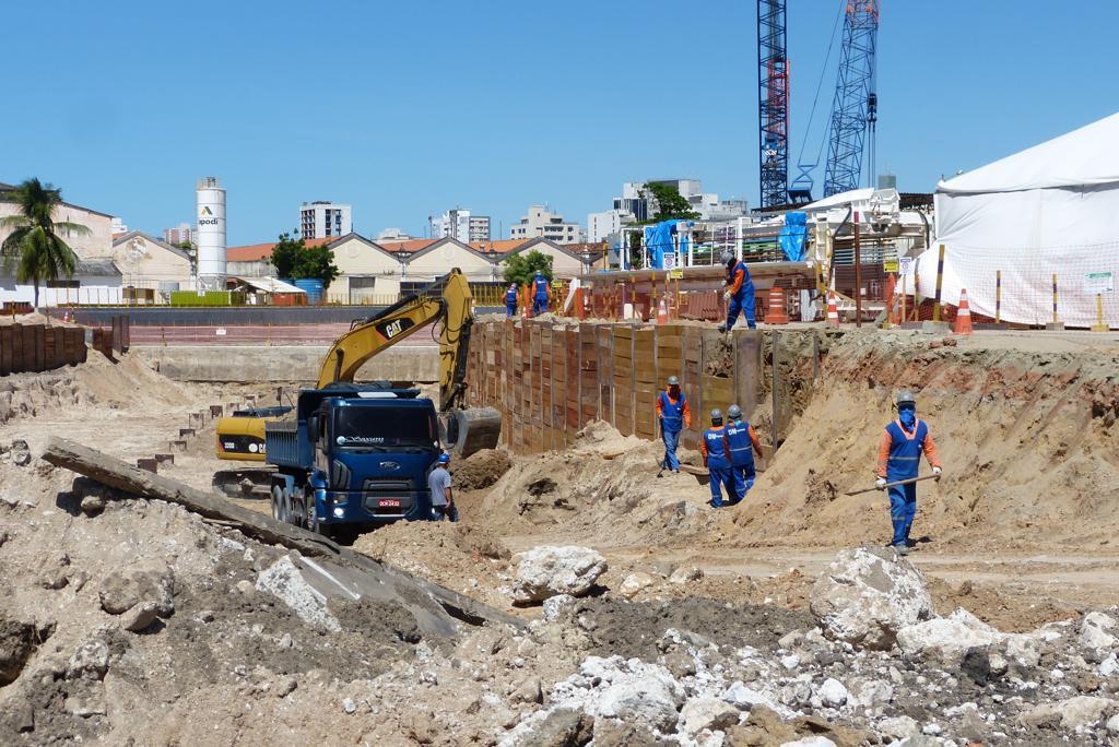 Obras da Linha Leste do metrô avançam no Centro de Fortaleza