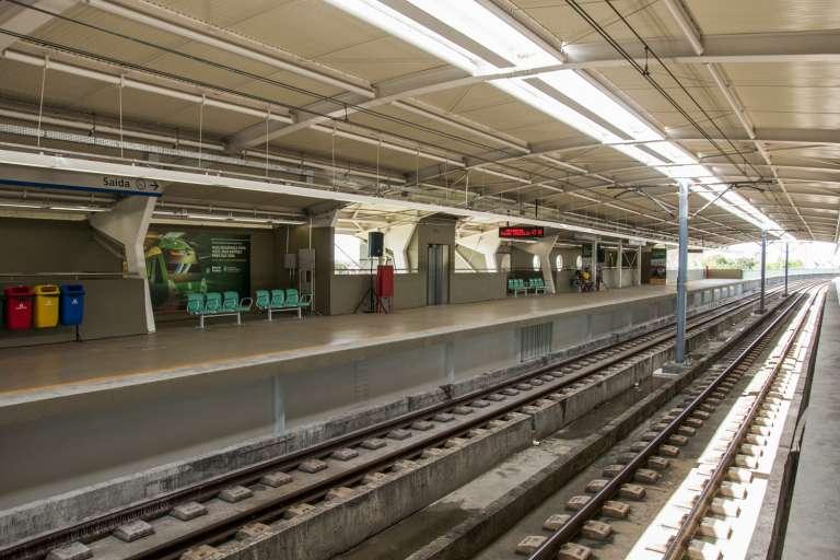 Estações JK e Padre Cícero do metrô terão placas para geração de energia solar