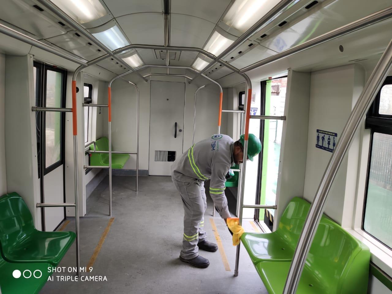 Metrofor realiza limpezas sistemáticas nos trens, campanha informativa e estações terão álcool em gel