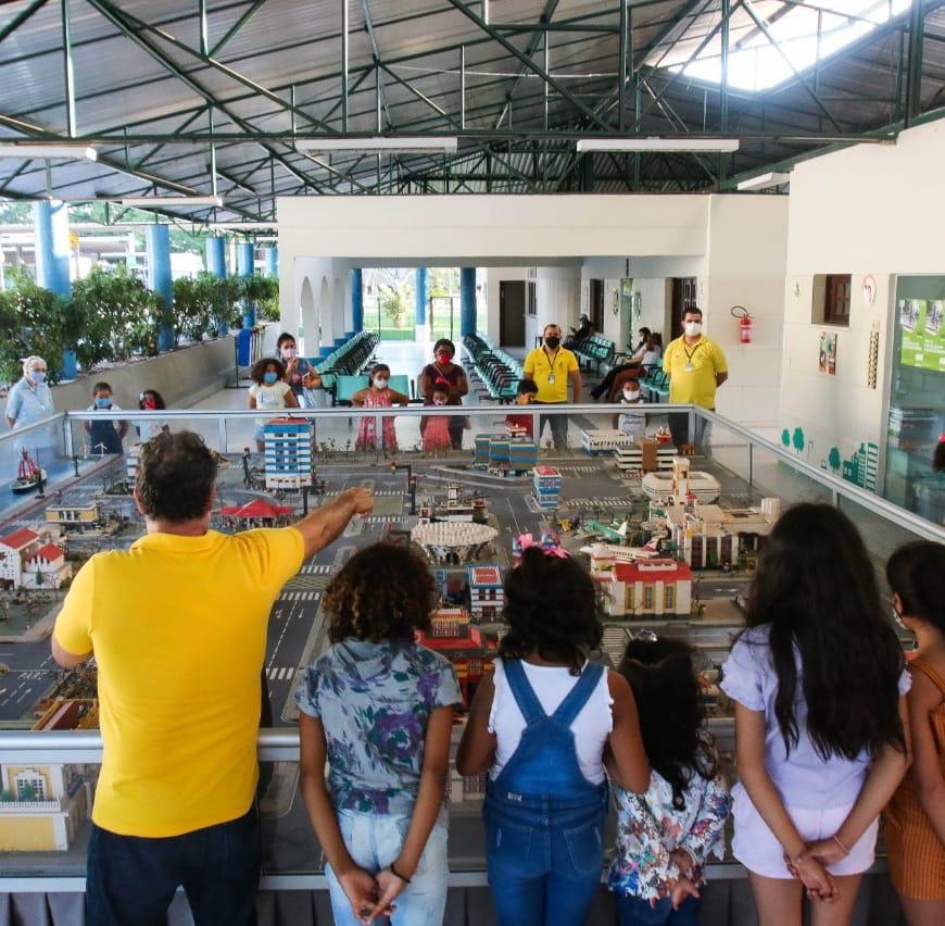 Crianças de instituições beneficentes voltam a visitar a Escola de Trânsito do Detran-CE
